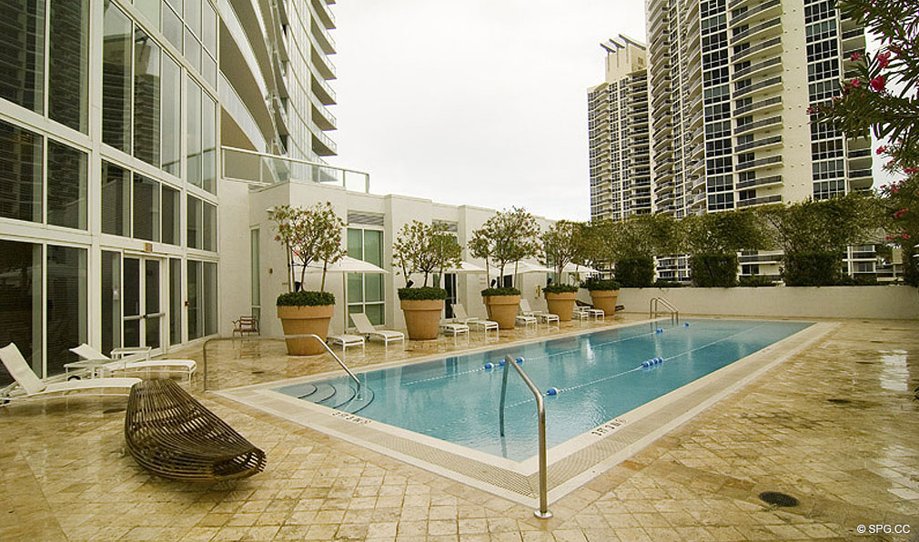 Pool Cleaning Service In Miami Beach